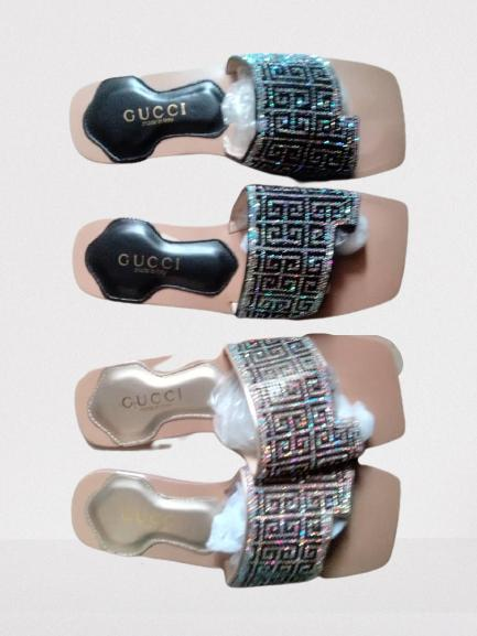 Trendy women flat slippers with glitters- Sliver